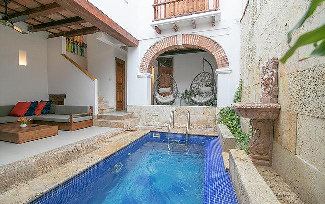 4 BR Luxury Mansion